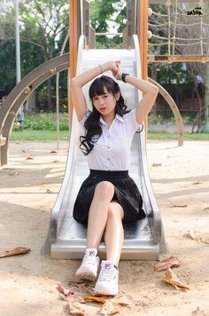 School Girl Japan, High School Girls, Beautiful Japanese Girl, Beautiful Asian Women, Cute Asian Girls, Cute Girls, University Girl, Schoolgirl Style, Girls Uniforms