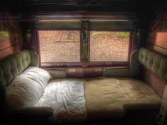 Pullman Sleeper - Train travels in the Worlds By Train, Train Car, Train Tracks, Train Rides, Simplon Orient Express, Train Journey, Luxury Travel, Van Life, Travel Style