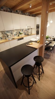Kuchynský barový pult