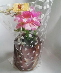 Vaso decorativo em madeira muirapiranga com saboarana, com flores artificiais. Feito pela Du´Artes Artesanatos - Manaus/AM - 2016.