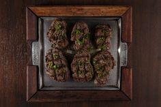 """Fotografia de filet mignon grelhado produzida para o novo cardápio do restaurante """"Taberna Dumont"""" em Londrina, Paraná. Fotografia: J. Oshiro Cliente: Taberna Dumont (http://tabernadumont.com.br) Agência responsável: Studio OPZ (http://studioopz.com) Data: Maio e junho de 2014"""