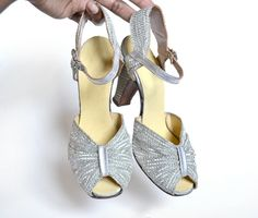 Gorgeous vintage 1940s silver lame peep toe pumps.. you guessed it, too small, size 5!   UGH!