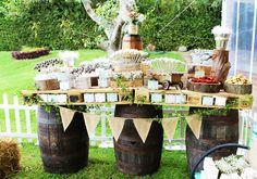 Mesa de dulces estilo country Decoración: Fialo Eventi