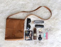 what's in your bag? The 9 essentials I can't live without! - Paisley + Sparrow