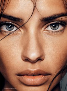 Immagine di model, Adriana Lima, and eyes