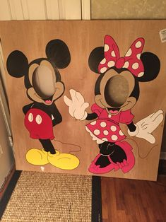 Mickey and Minnie Face in hole! #handmade #Laneyturns1 #minniemouseparty