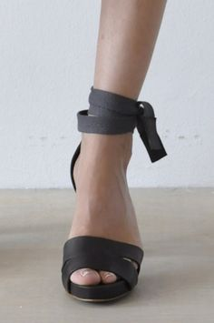 SAMUEL sandal with plateau sole and high heels-ankle strap of ribbon