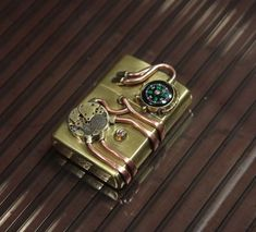 Steampunk Zippo Steampunk Dolls, Steampunk House, Steampunk Gears, Steampunk Design, Steampunk Costume, Steampunk Fashion, Cool Lighters, Casual Fashion Trends, Expensive Gifts