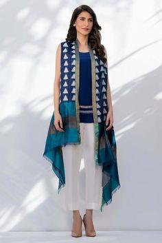 Latest Pakistani Dresses 2018 Casual & Formal Dresses for . Casual Formal Dresses, Trendy Dresses, Fashion Dresses, Dress Formal, Hollywood Fashion, Kurta Designs, Dresses For Tweens, Girls Dresses, Maxi Dresses