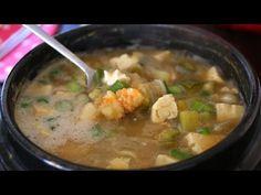 Korean soybean paste stew (Doenjang-jjigae: 된장찌개) - YouTube