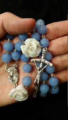 Handmade Chain Rosary: White Rose and Blue by GardenOfRosaries Rosary Prayer, Praying The Rosary, Holy Rosary, Rosary Catholic, Prayer Beads, Afghan Loom, Hail Mary, Rosary Beads, White Roses