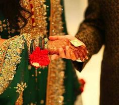 Police arrested a 28-year-old man for allegedly killinghis wife on their wedding night in Sindh province of Pakistan. Reports say accused Qalandar Baksh Khokhar killed her afterfinding out that his wife, Khanzadi Lashari, 19, was not a virgin.The girl's family filed an FIR accusing the groom and his brothersof killing the new bride.  #OMG #Shocking #Bizarre #WorldNews
