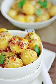 Kay's Potato Gratin - looks damn good Potato Dishes, Potato Recipes, Food Dishes, Potato Food, Main Dishes, Side Recipes, Great Recipes, Favorite Recipes, Healthy Recipes