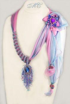 20+ элегантных образов с шарфами и бижутерией