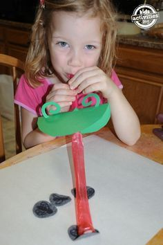 Fun #science with kids! Sticky Tongue Frog Craft - http://kidsactivitiesblog.com/47148/sticky-tongue-frog-craft