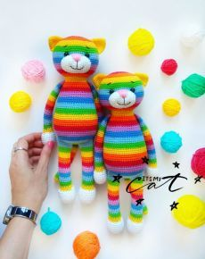 Gato Crochet, Crochet Bear, Crochet Patterns Amigurumi, Crochet Animals, Crochet Dolls, Crochet For Kids, Crochet Bunny Pattern, Easy Crochet Patterns, Rainbow Crochet