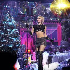 Midnight Sky, Miley Cyrus, Kicks, Singer, Film, Concert, Music, Festive, Women