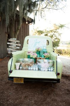 Love this vintage truck beverage station. Source: The I Do Moment #vintageweddings #beveragestation