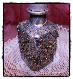 Sandy-Craft: August 2017 Mixed Media, Perfume Bottles, Crafts, Beauty, Random Stuff, Creative, Beleza, Manualidades, Perfume Bottle