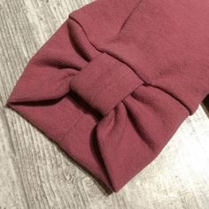 trendy sewing projects for kids dress Kurti Sleeves Design, Kurta Neck Design, Sleeves Designs For Dresses, Dress Neck Designs, Sleeve Designs, Blouse Designs, Sewing Dress, Sewing Sleeves, Sewing Clothes