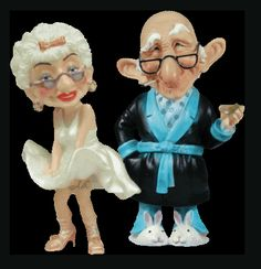 Old People Cartoon, Funny Old People, Animated Emoticons, Animated Gif, Funny Picture Jokes, Funny Pictures, Funny Videos, Funny Happy Birthday Song, Gif Bonito