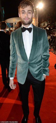 Douglas Booth, Gorgeous Men, Suit Jacket, Suits, Jackets, Fashion, Down Jackets, Moda, Fashion Styles