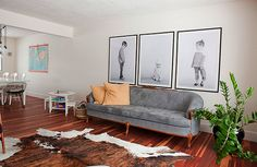 Nothing says home and love like a photo wall. Check out these 50 amazing photo wall ideas and learn the best way to photos for your wall gallery. Sweet Home, Decoration Design, Photo Displays, Display Photos, Photograph Wall Display, Home And Living, Modern Living, Family Photos, Family Room