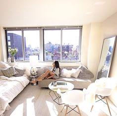 Home Tour: A Style Blogger\'s Laid-Back Seattle Loft | Loft studio ...