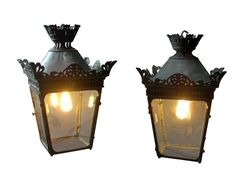 Superb pair of bronze 19C Lanterns from DC member Fontaine