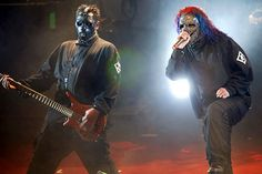Slipknot's Paul Gray and Corey Taylor in 2004