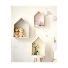estanteria madera con forma de casa - Buscar con Google