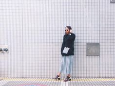 @momokoogihara  Botín Jacky mid burgundy + gold UNITED NUDE Ref: 6320009 Los botines Jacky de UNITED NUDE son un moderno diseño, con un original tacón de media altura diseñado con líneas diagonales, nítidas y sencillas.  Su llamativa combinación de materiales y colores convierten a este modelo en el calzado perfecto para aquellas que busquen el calzado más original sin renunciar a la comodidad y fácil de poner al ser de elástico…