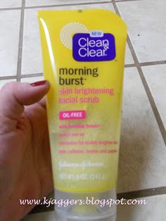 CLEAN AND CLEAR MONRING BURST SKING BRIGTENING FACIAL SCRUB REVEW ~ The Glamorous French Housewife