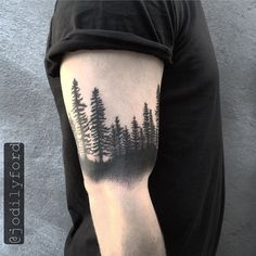 Redwood Tattoo http://www.pairodicetattoos.com/redwood-tattoo-2/