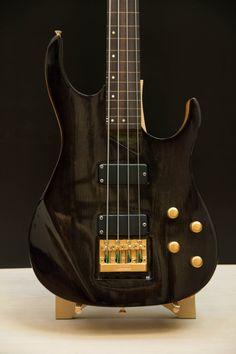 Fretless Bass. Design: Cristh Rod Guitars www.cristhrodguitars.com