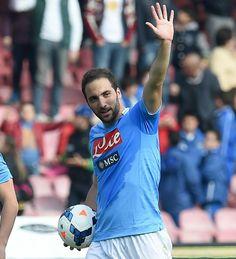 Gonzalo Higuaín---- has until now 17 goals in his 1st season at Napoli, 3 more than Maradona had !