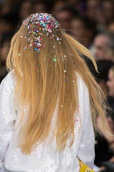 fashionfeude: Hair at Ashish Spring Summer 2016 | LFW