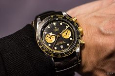 Baselworld 2019: Tudor Black Bay Chrono S&G (Ref. 79363N) an einem sehr bequemen Bund-Band. Sieht großartig aus. Und erinnert mich irgendwie an Paul Newman, der seine Daytona ebenfalls an so einer Art Band trug. Nur der Preis... Diese Uhr kostet um einiges mehr als der erste Black Bay Chrono den Tudor vor zwei Jahren auf der Baselworld präsentierte. #tudor #blackbay #Chronograph #baselworld2019 #baselworld #watches