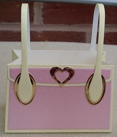 Check out this item in my Etsy shop https://www.etsy.com/uk/listing/467985527/handmade-kensington-handbag-gift-bag