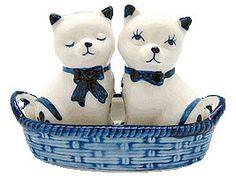 Cats Salt and Pepper Shakers: Cats/Basket – GermanGiftOutlet.com