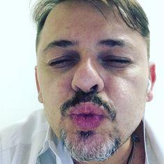 Beijo e todos miguxitos tesudos e gostosos que vão seguir as redes sociais face insta twitter : @dialogaybr #dialogaybr