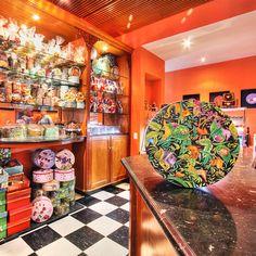 ¡Cascabel en El Retiro! Cascabel tiene una variedad de productos para el gusto de todos los clientes. Encuentra unos deliciosos ponqués, galletas y helados en la tienda de El Retiro Shopping Center. http://www.elretirobogota.com/esp/?dt_portfolio=cascabel