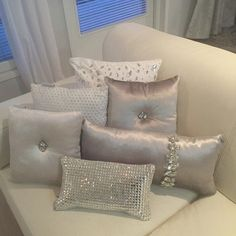 Diy Home Decor Bedroom, Cozy Bedroom, White Bedroom, Modern Bedroom, Bedroom Ideas, Bling Bedroom, Bedroom Images, Master Bedroom, Glam Pillows