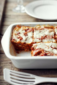 I love love looooove Italian food -Lasagne bolognese Kitchen Recipes, Gourmet Recipes, Cooking Recipes, Italian Dishes, Italian Recipes, Lasagne Bolognese, Lasagna Casserole, Fast Dinners, Pasta Dishes