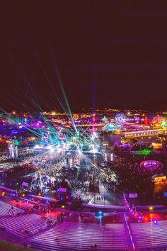 Electric Daisy Carnival in Las Vegas- wanna go sooo bad! Ultra Festival, Rave Festival, Festival Style, Festival Lights, Festival Outfits, Electric Daisy Carnival, Edm Music, Dance Music, Raves