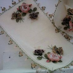 This Pin was discovered by Hat Ribbon Embroidery, Cross Stitch Embroidery, Bed Runner, Needle Lace, Cutwork, Table Covers, Beautiful Crochet, Silk Ribbon, Handicraft