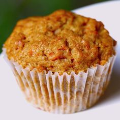 Turn your leftover pumpkin puree, unsweetened applesauce and Quaker oats into these delicious muffins.