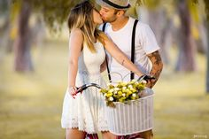 Senior Girl Photography, Wedding Photography, Pre Wedding Photoshoot, Senior Girls, Couple Pictures, Engagement Photos, Retro, Couples, Hair Styles