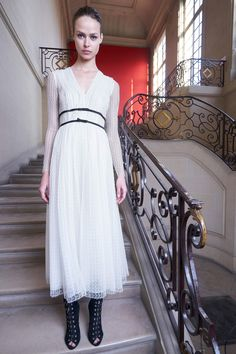 http://www.vogue.com/fashion-shows/pre-fall-2017/giambattista-valli/slideshow/collection