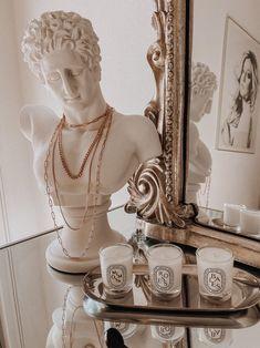 Classy Aesthetic, Beige Aesthetic, Decoration Inspiration, Room Inspiration, Decor Ideas, Anthropologie Mirror, Studio Decor, Parisian Decor, Parisian Room